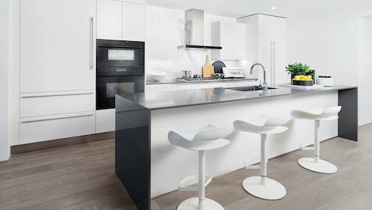 Heather kitchen rev xpwjvq.jpg?trim=auto&dpr=1