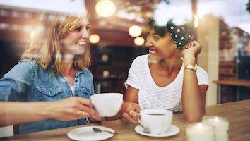 Shutterstock coffee shop gmteq3