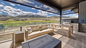 6730 rew tobiano photos fb   porch