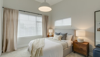 9168 bedroom