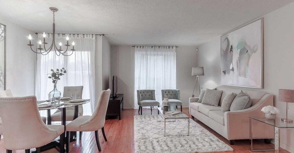 110-3835 W Lake Shore Boulevard, Toronto