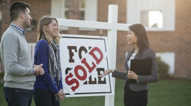 6 Tips for Buying and Selling a Home at The Same Time