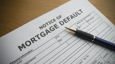 Canadian Financial Institutions Expect Mortgage Defaults to Rise