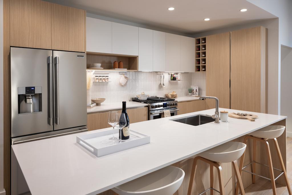 Lakeview - Kitchen